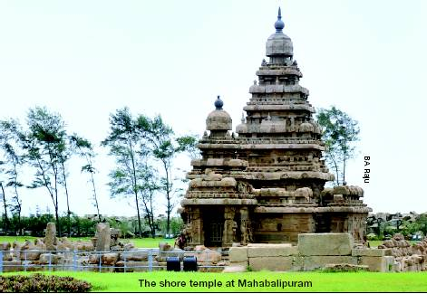 The-Shore-Temple-at-Mahabalipuram